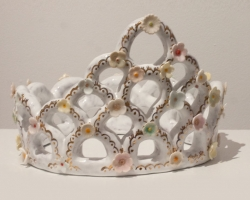 Julie MoonCrown6 x 9 x 9 in. Porcelain
