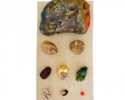 Paul WackersFinders keepers,2014Stoneware, oxide, ink, spray paint, 23kt gold leaf.6 x 12.25 x 7 in.